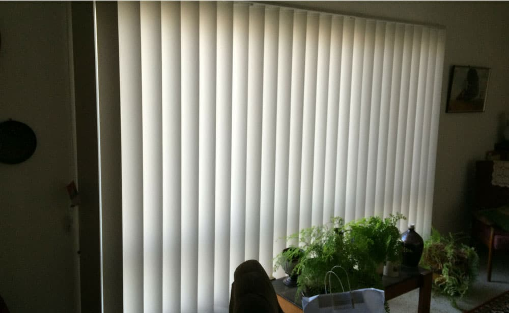 image of vertical blind in the office